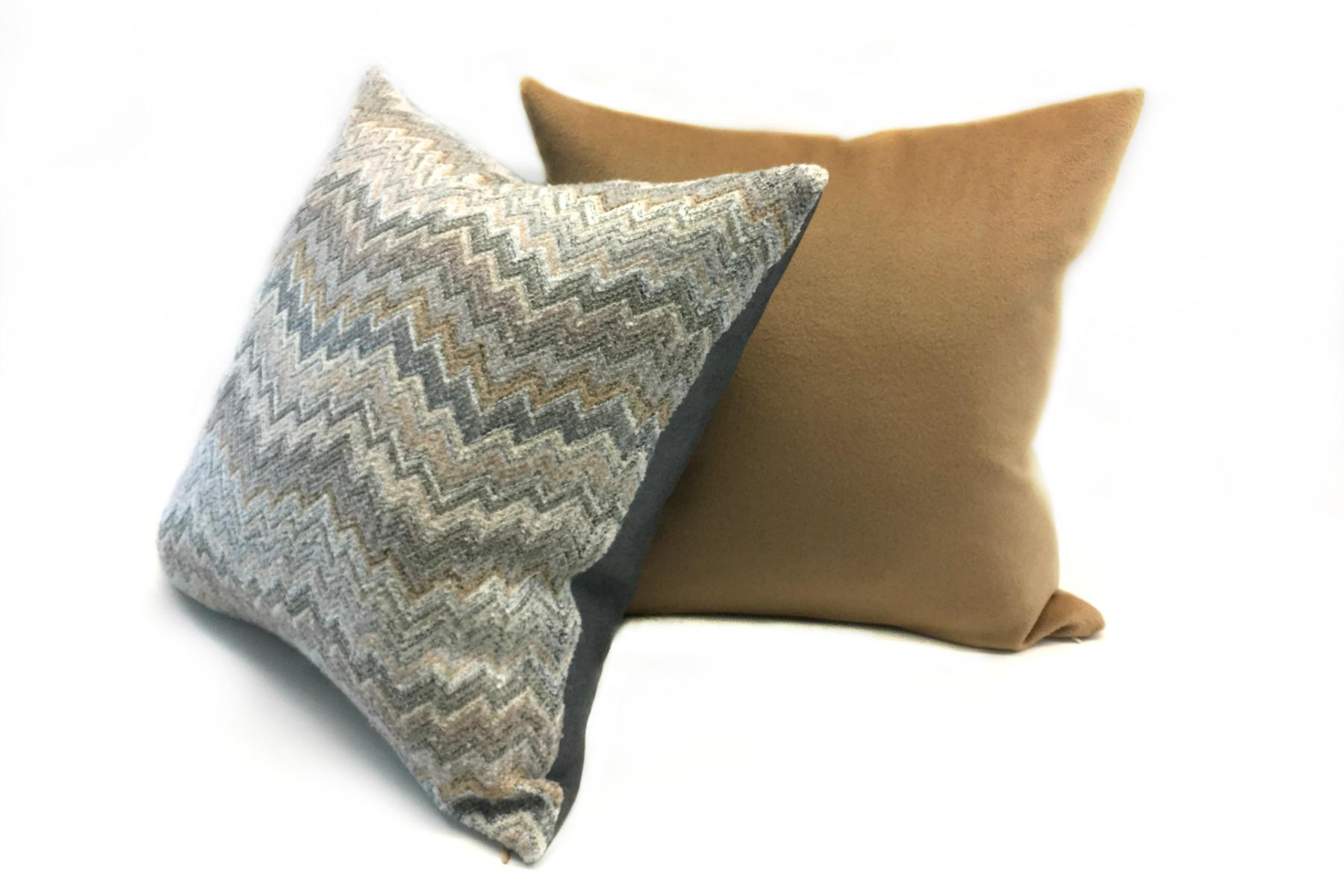 coussins d coratifs haut de gamme luxueux essliving. Black Bedroom Furniture Sets. Home Design Ideas